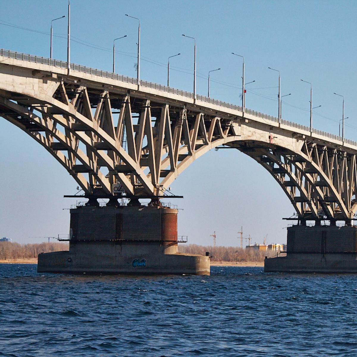 Окраска моста Энгельс в Саратове